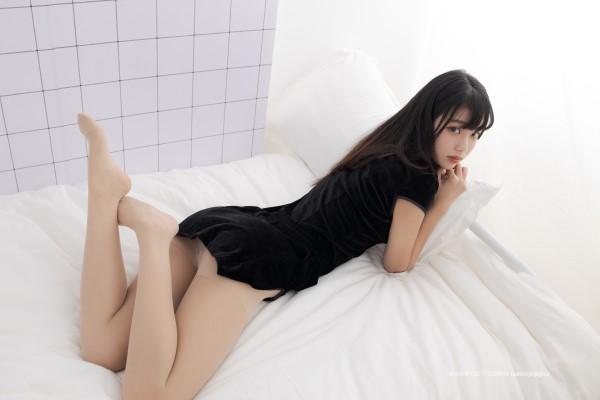 紧急企划-NO.013-一只喵喵梓-超短旗袍炒肉丝[68P/1V/970MB]-宅男团