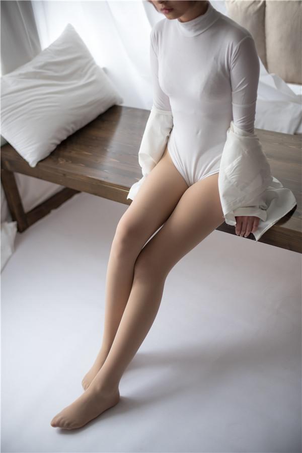 森萝财团-ALPHA-010-肉丝高领体操服[149P/1.41G]-宅男团