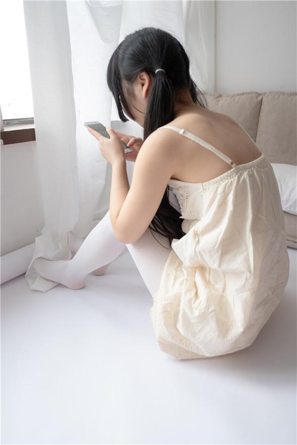 森萝财团-ALPHA-013-白丝裤袜露肩[90P/91.8MB]-宅男团
