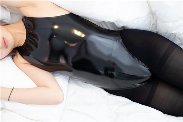 森萝财团-ALPHA-017-黑丝死库水胶衣[217P/2.48GB]-宅男团