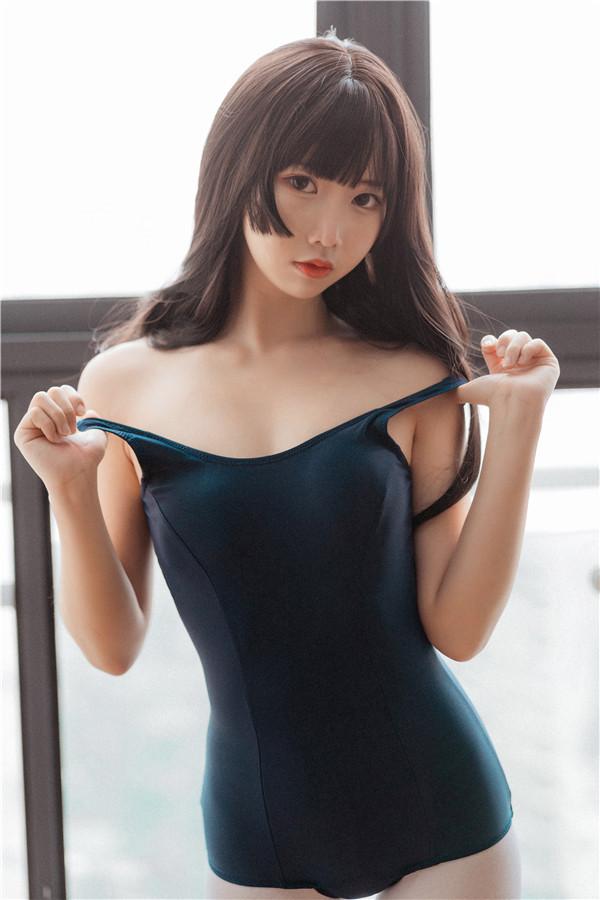 网红coser-面饼仙儿-jk死库水[35P/291MB]-宅男团